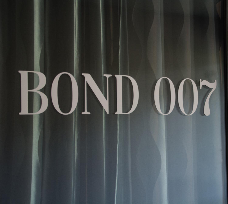 Bond Room